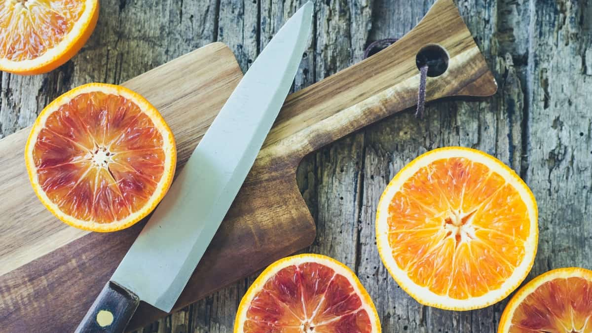 SLICING ORANGES