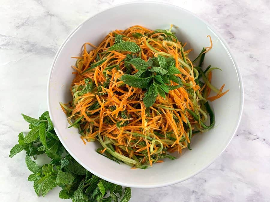 AROMATIC CUCUMBER AND CARROT SALAD