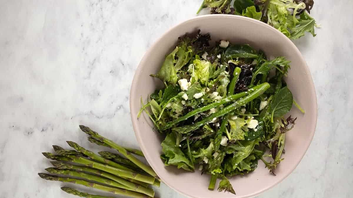 BLANCHED ASPARAGUS AND FETA SALAD