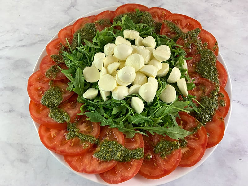 SLICED-TOMATOES-ROCKET-AND-BOCCONCIN