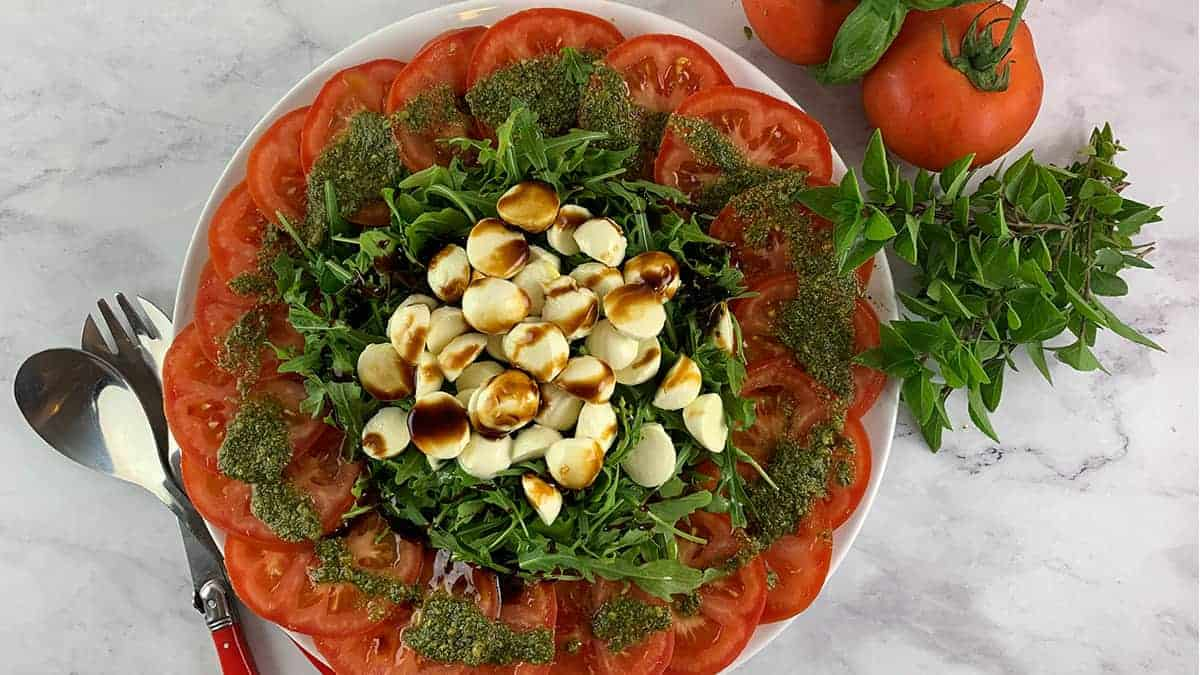 TOMATO-MOZZARELLA-SALAD-WITH-STICKY-BALSAMIC