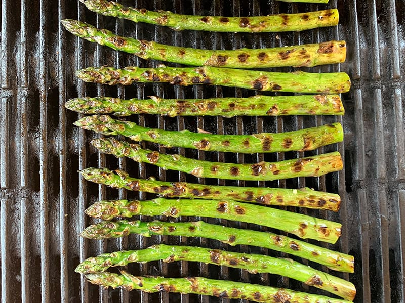 03-GRILLED-ASPARAGUS-ON-BBQ