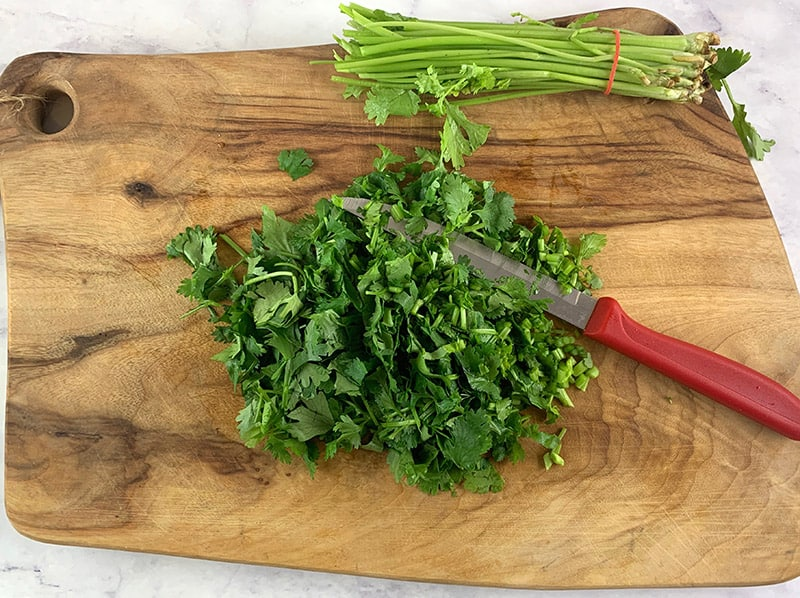 06-CHOPPING-PARSLEY