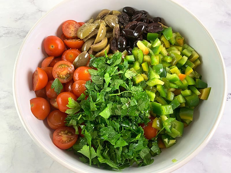 NGREDIENTS-IN-BOWL-FOR-OLIVE-SALAD