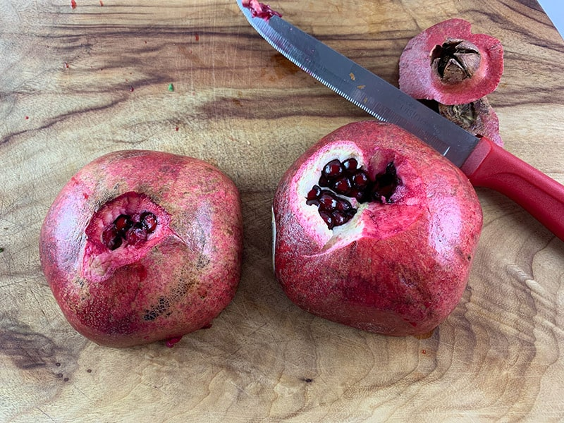 08-REMOVE-CORE-AND-BASE-OF-POMEGRANATE