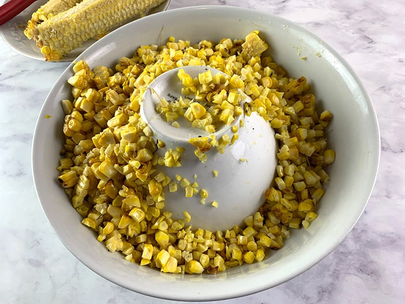 CUT CORN KERNELS IN BOWL