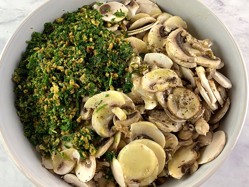 MUSHROOM SALAD INGREDIENTS IN BOWL