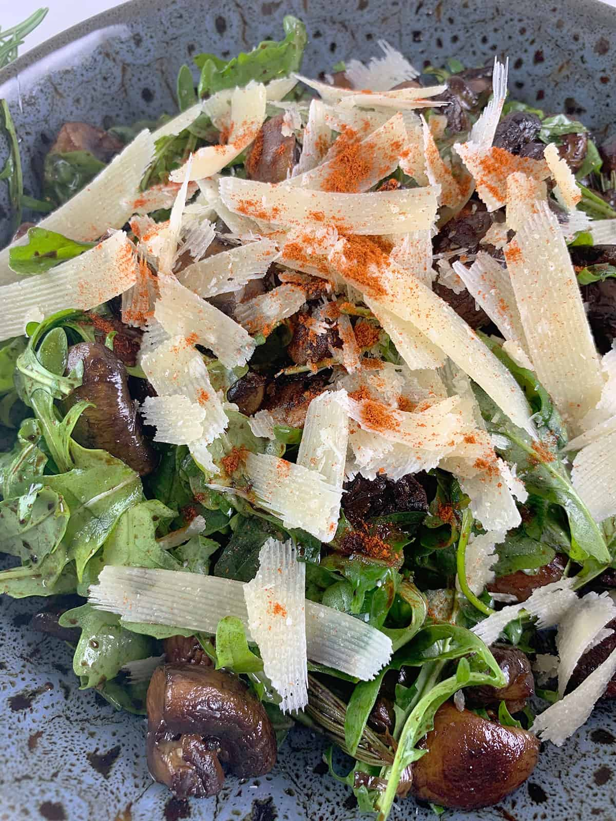 CLOSE UP OF OUR BALSAMIC MUSHROOM SALAD RECIPE