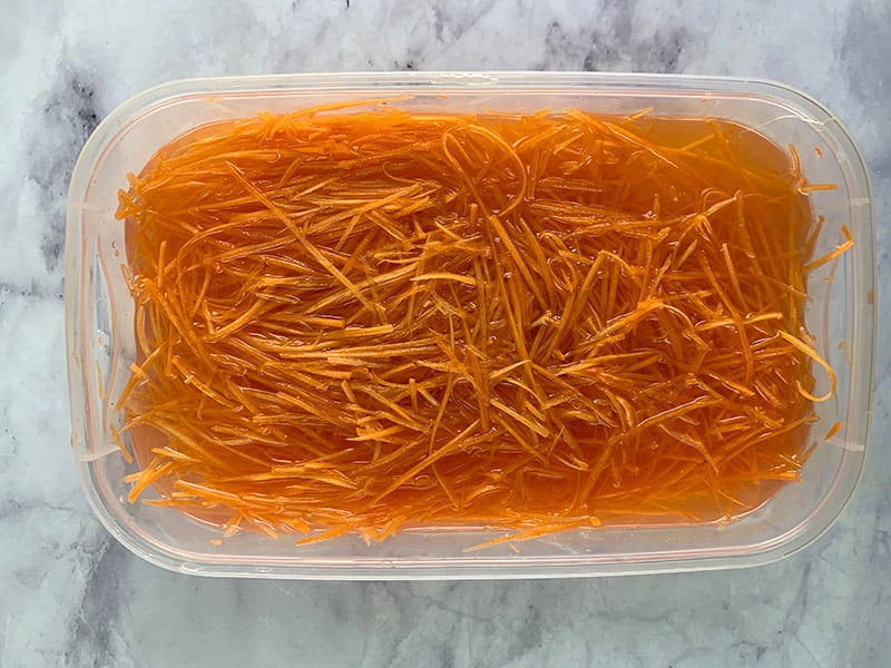 CARROTS-IN-WATER-LAND