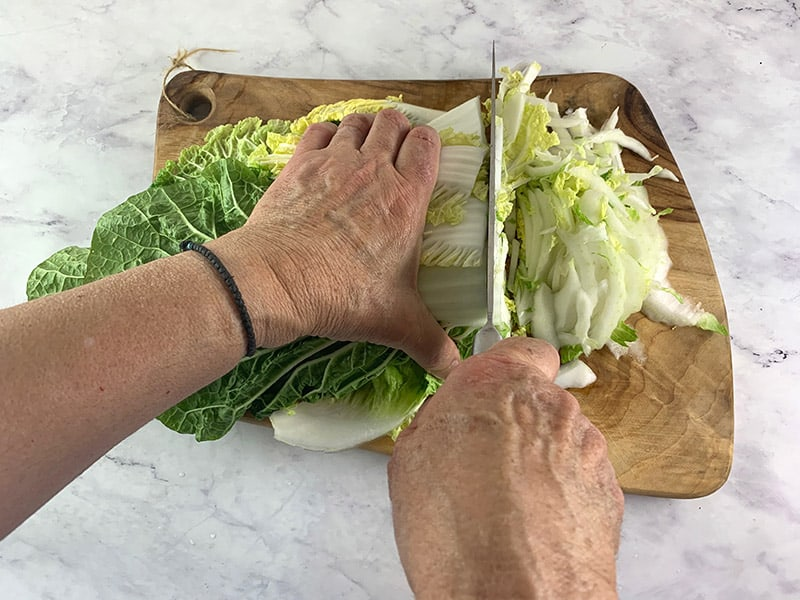 CUTTING-CHINESE-CABBAGE