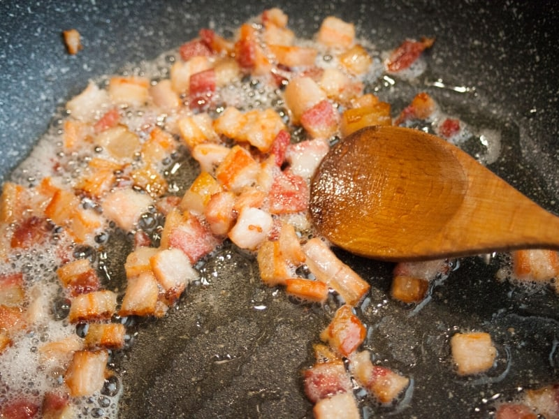 FRYING PANCETTA
