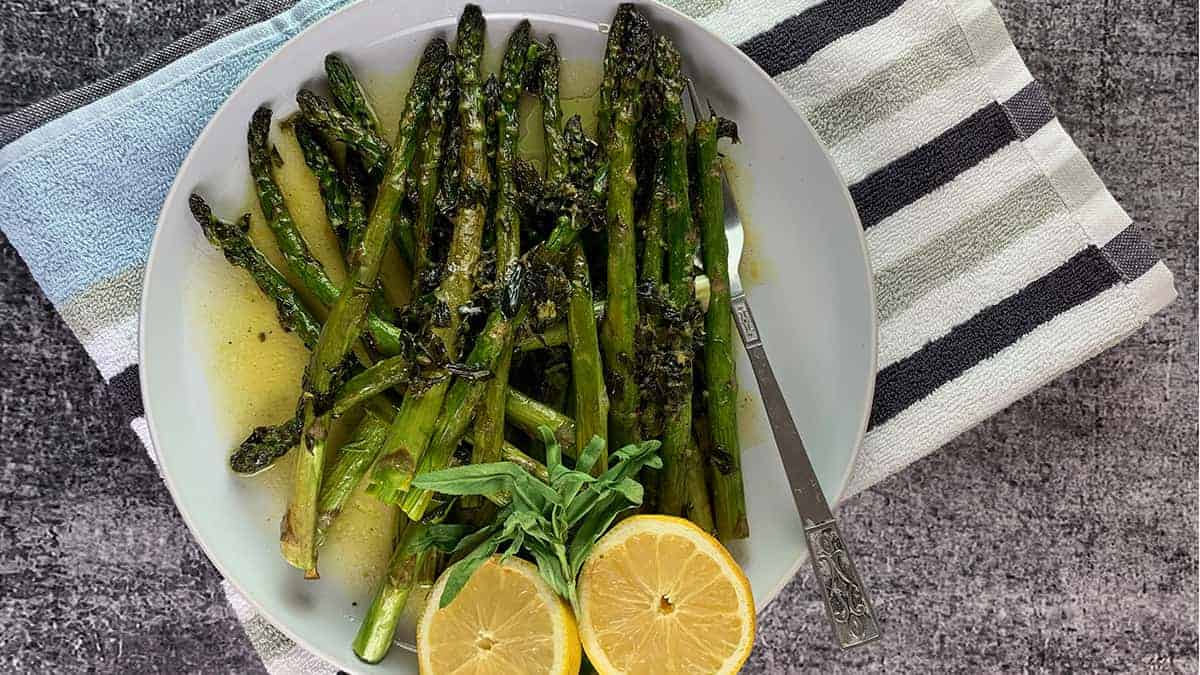 OVEN-ROASTED-ASPARAGUS-BLOG-POST
