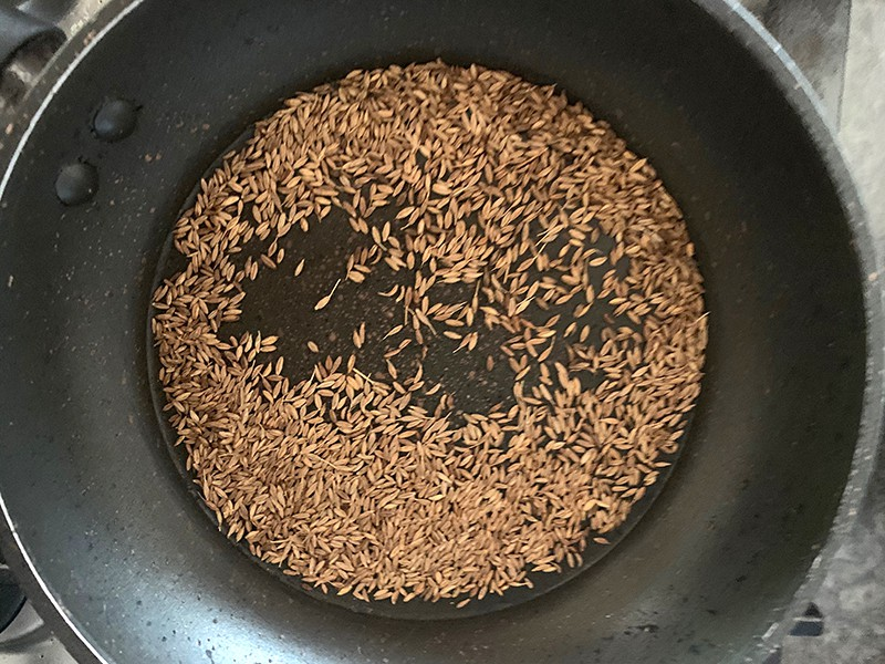 TOASTED CUMIN SEEDS IN PAN