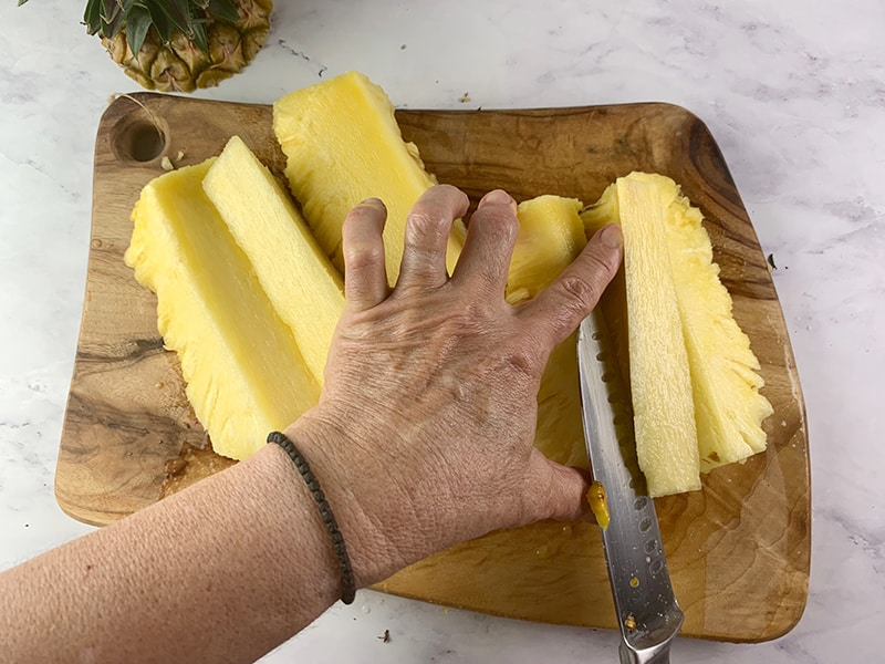 REMOVING THE CORE FROM A PINEAPPLE