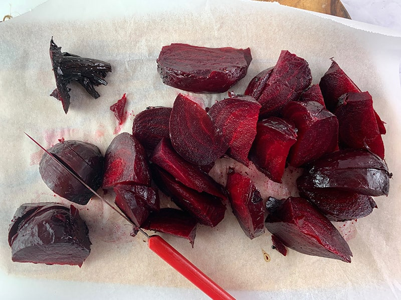 QUARTERING-ROASTED-BEETS