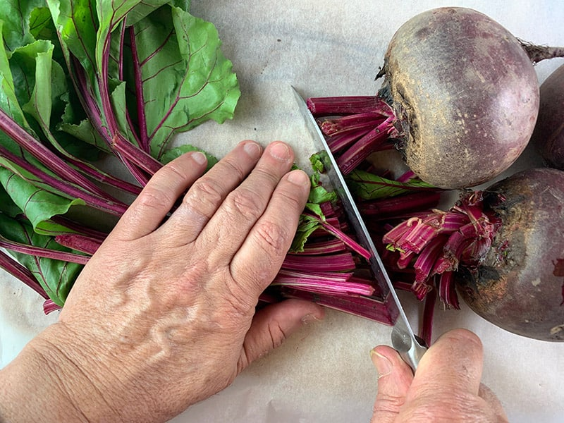 TRIMMING-BEET-LEAVES-2