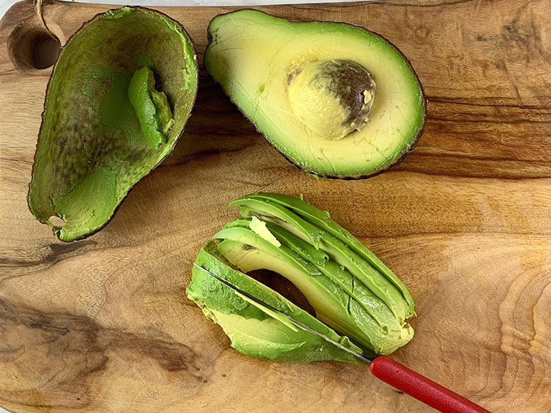 SLICING AVOCADO HALF