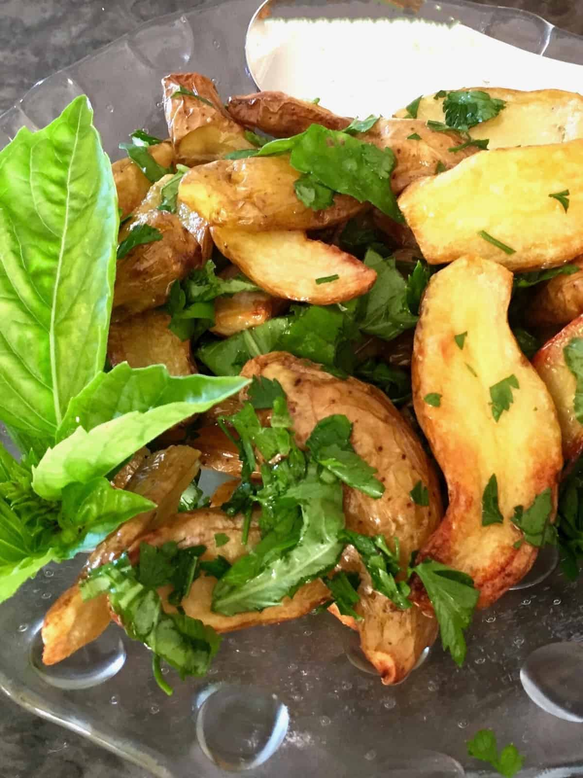 ROASTED KIPFLER POTATOES WITH HERBS