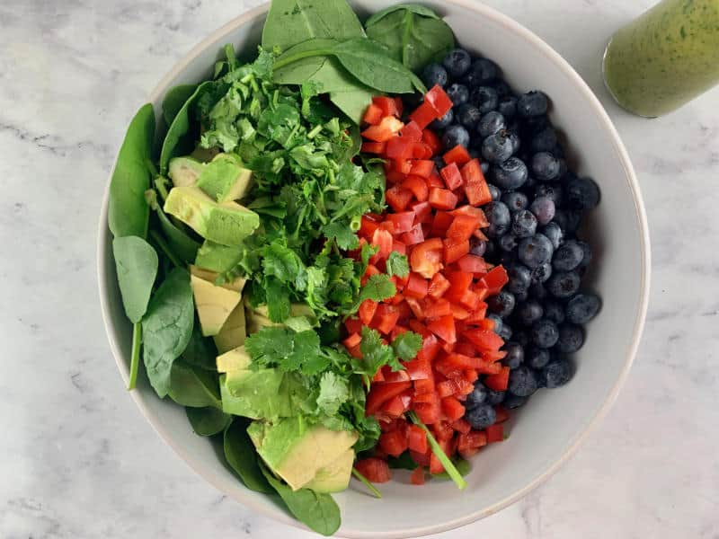 SPINACH BLUEBERRY SALAD INGREDIENTS IN BOWL