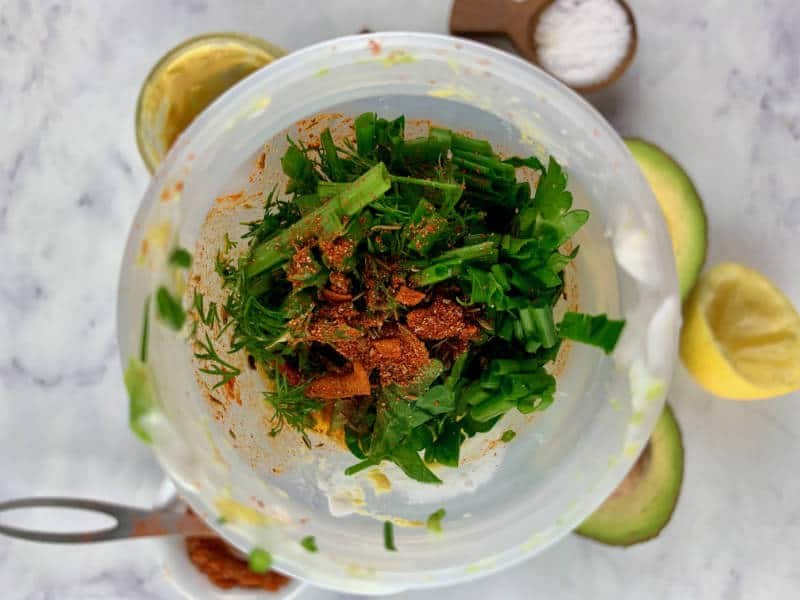 AVOCADO RANCH DRESSING INGREDIENTS IN BLENDER