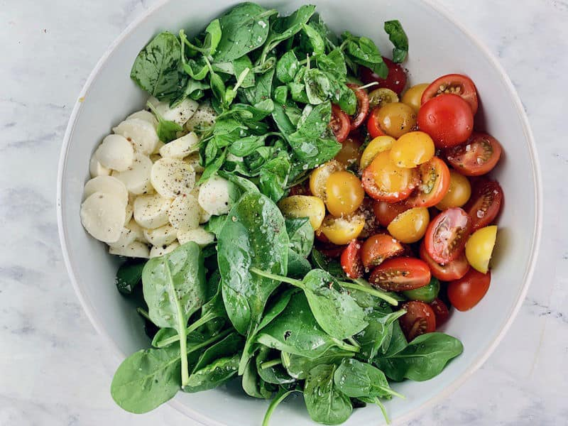 SPINACH CAPRESE INGREDIENTS IN WHITE BOWL